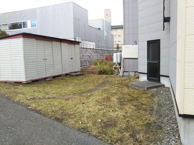 【予約制】軒先パーキング 月寒2条16丁目 第1駐車場 image