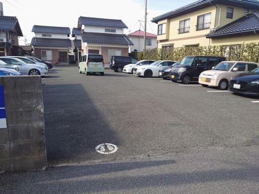 【予約制】軒先パーキング 東福原2丁目(信金裏手)駐車場 image