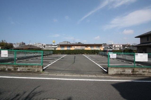 【寺塚1丁目】金もくせい駐車場