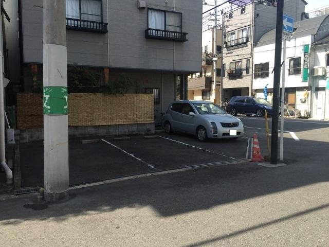 【中央体育館近く】 ティアラ港パーキング