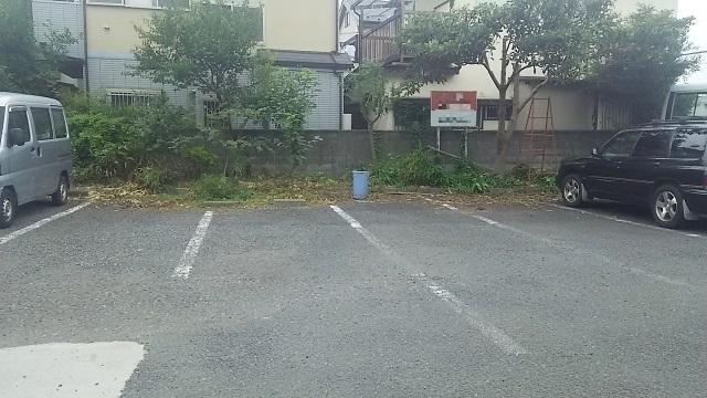 【狭山ヶ丘】ウルトラマン駐車場