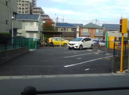 ホワイト急便武蔵浦和店駐車場