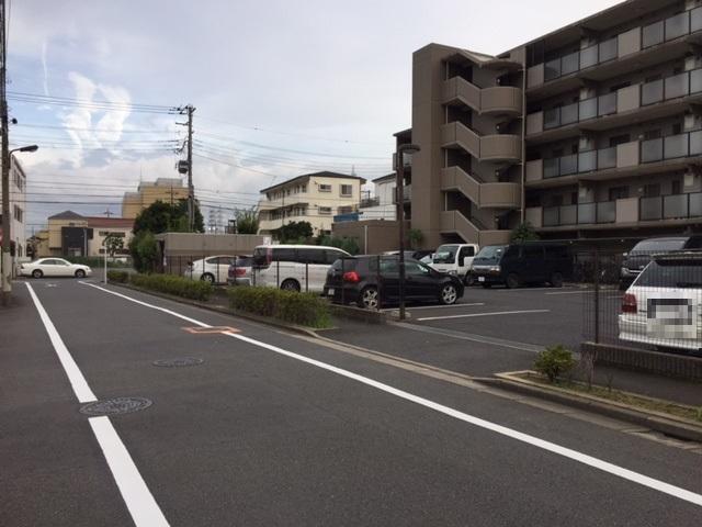 メトロステージ一ツ家駐車場
