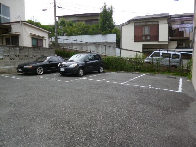 フルール須磨駐車場