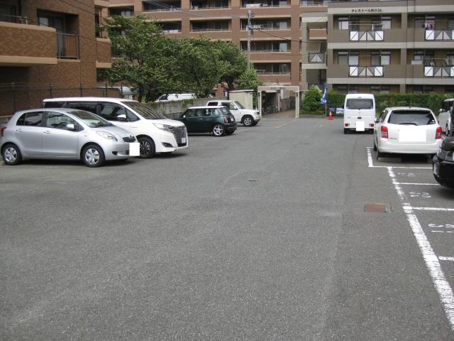 クレストール和白St駐車場