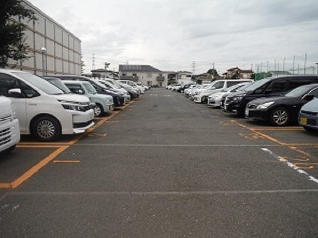 西恋ヶ窪月極駐車場
