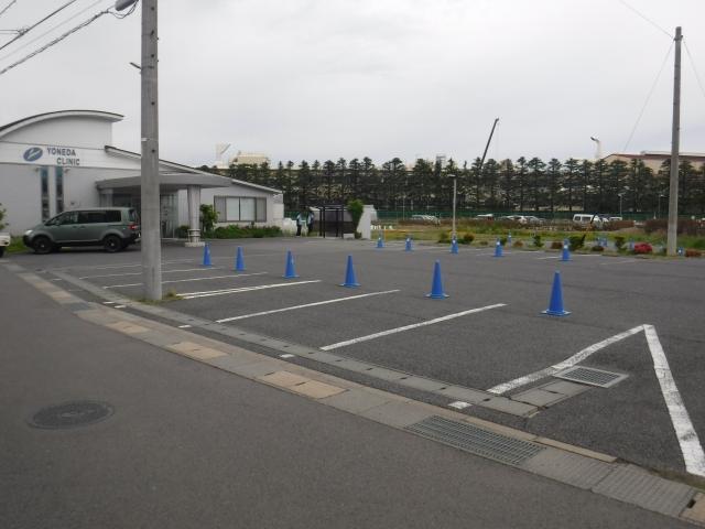 米田整形外科クリニック駐車場