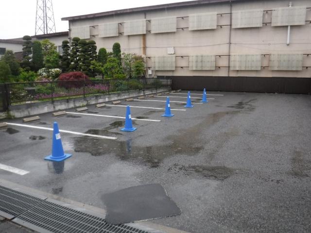 松浦小児科医院駐車場