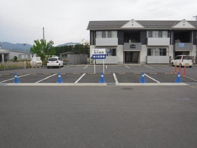 篠ノ井鈴木医院第2駐車場