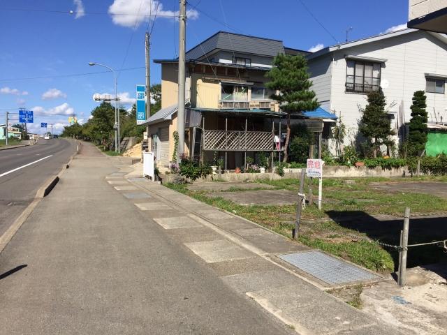 下湯沢駅近駐車場