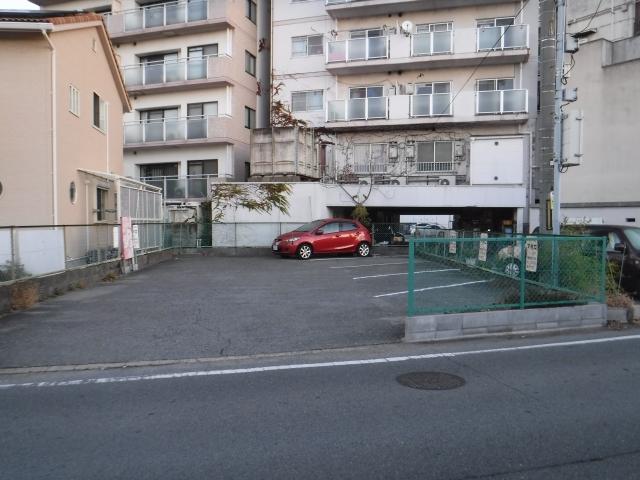 アポロ第二駐車場