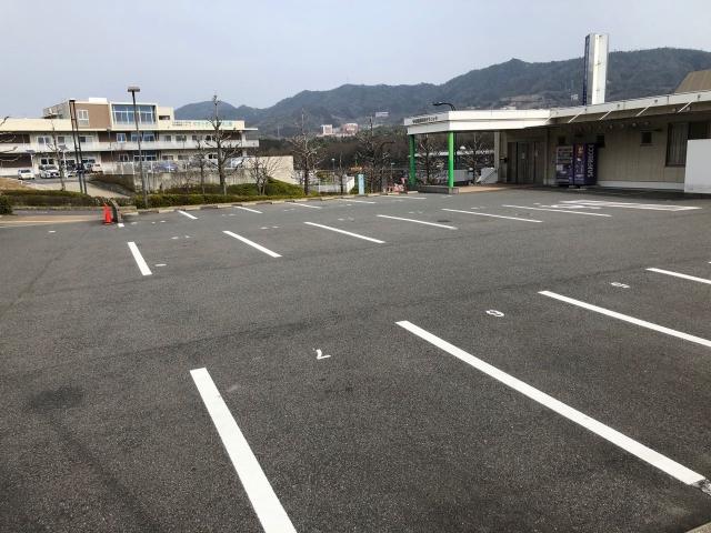 中増整形外科クリニック駐車場