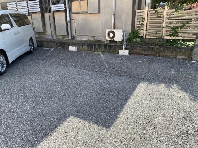 江本駐車場