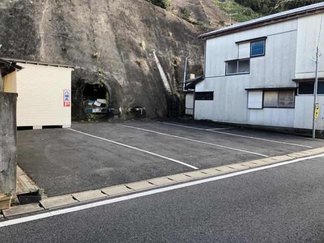 勝浦八幡丸パーキング