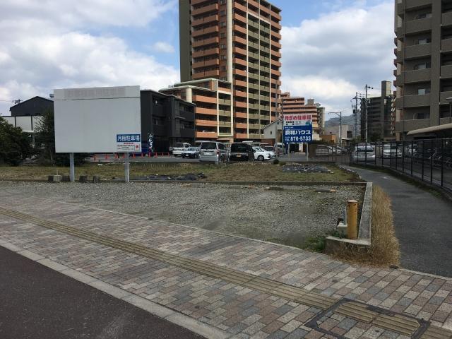 アトム西原駅前駐車場