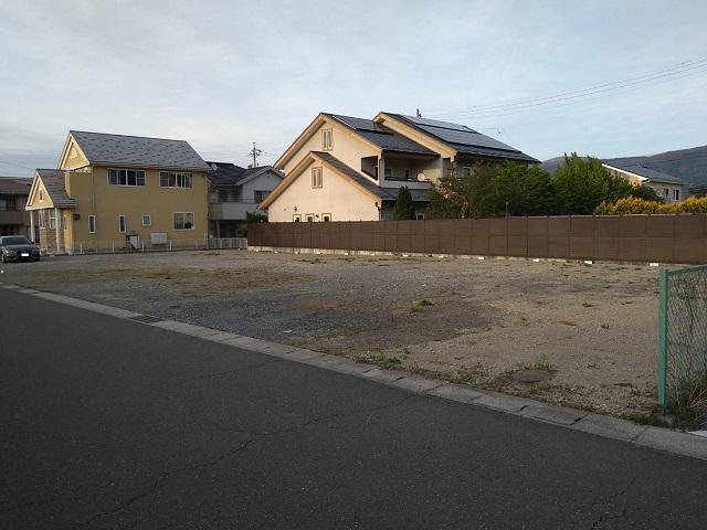 塩尻駅前駐車場
